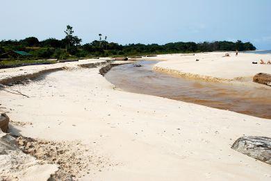 038 rivière plage